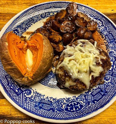 red wine garlic mushrooms