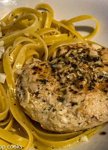 sauteed garlic chicken fettuccine aglio e olio